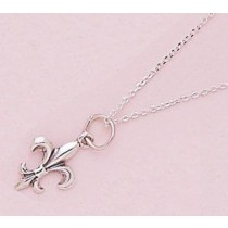 Fleur de lis Classic Lightweight Pendant with Chain