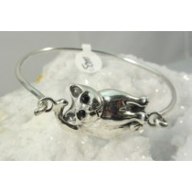Cat with Black Onyx Eyes Bangle