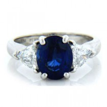 AFS-0106  Diamond Engagement Ring with Trilliants