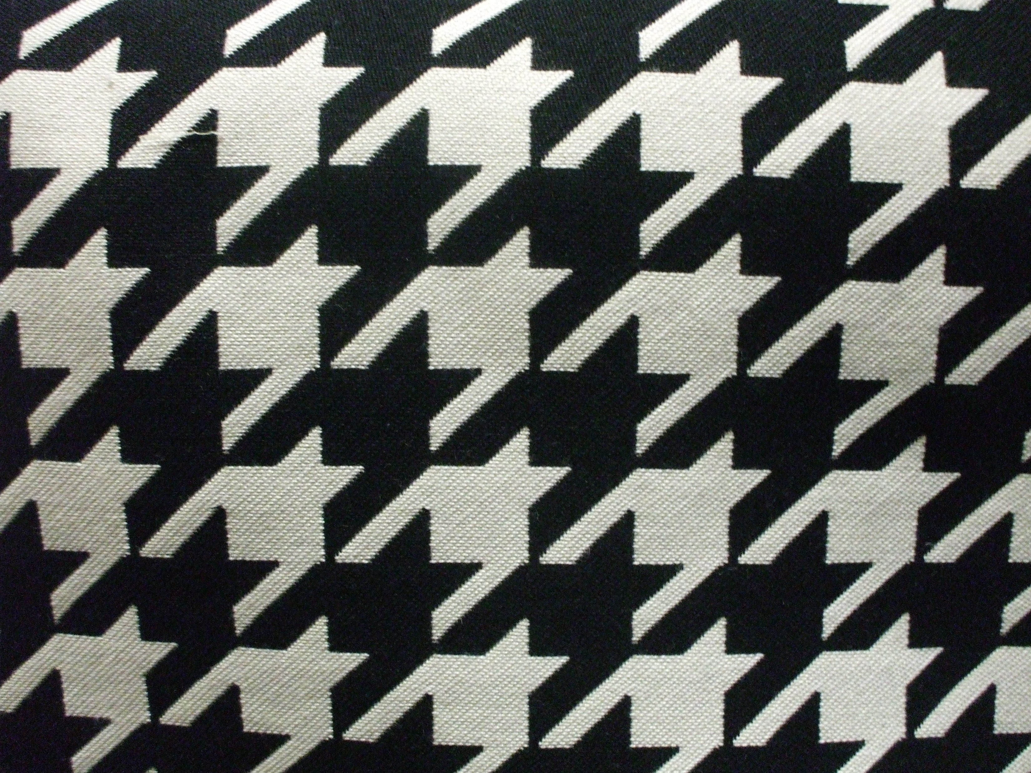 Brentwood A- Laurent Onyx Hounds Tooth Upholstery Fabric