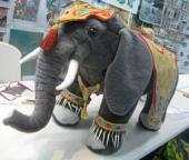 Customers Elephant