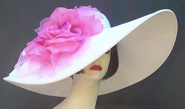 """White 5"""" - 8"""" Brim/XL Pink Rose"""