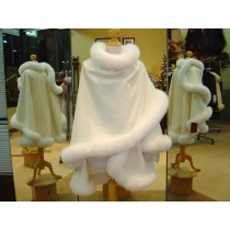 Ivory Cashmere Cape With White Fox Fur Trim