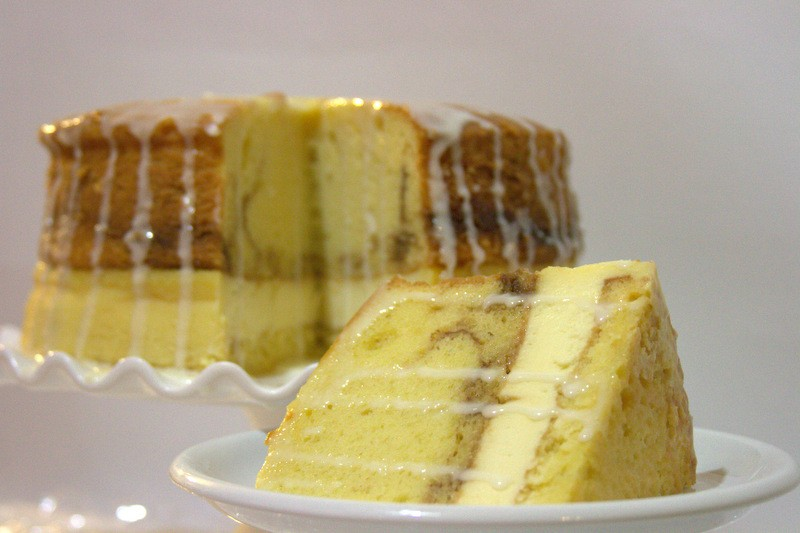 Classic Honey Bun Cheesecake