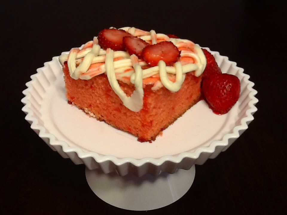 Honey Bun Strawberry  Cake