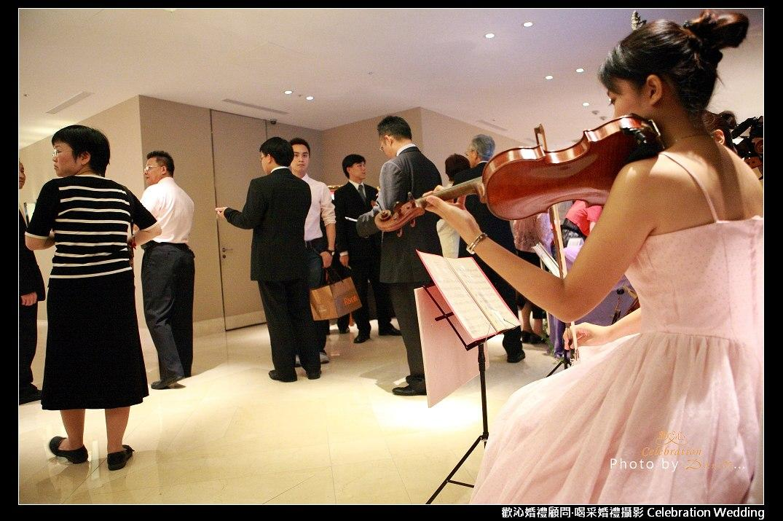 古典乐团三重奏:大提琴,中提琴,小提琴(或其他乐器编制)